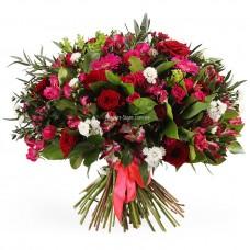 """Букет """"Скарлетт"""" розы, герберы, астры и альстромерии"""
