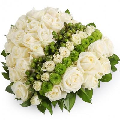 """Композиция """"молодая любовь """" из цветов в корзине"""