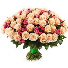 101 Кремовая и Розовая роза Аваланч и Файерворкс