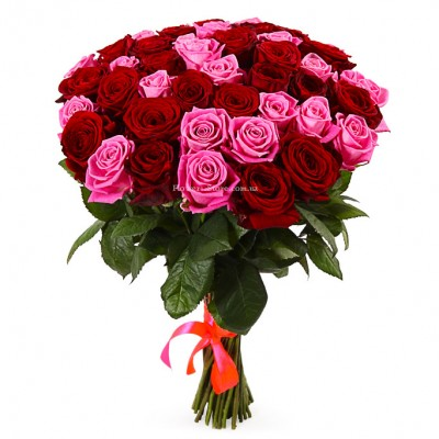 Букет 51 красная и розовая роза - сорт Гран-При и Аква