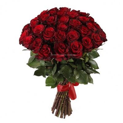 Букет красных роз сорт Гран-при 35 шт