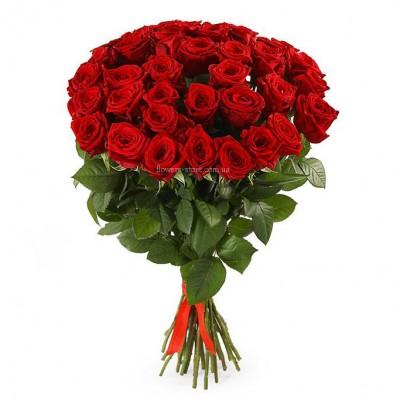 Букет красных роз сорт Престиж 35 шт