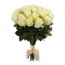 25  белых роз - сорт Мондиаль