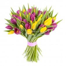 """51 желтый и фиолетовый тюльпан - Букет """"Сюрприз"""""""