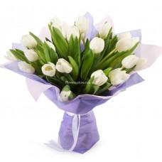 25 белых тюльпанов - звезда